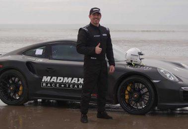 Британець встановив світовий рекорд швидкості на піску