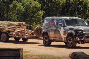 Відео: новий Land Rover Defender випробували в заповіднику левів