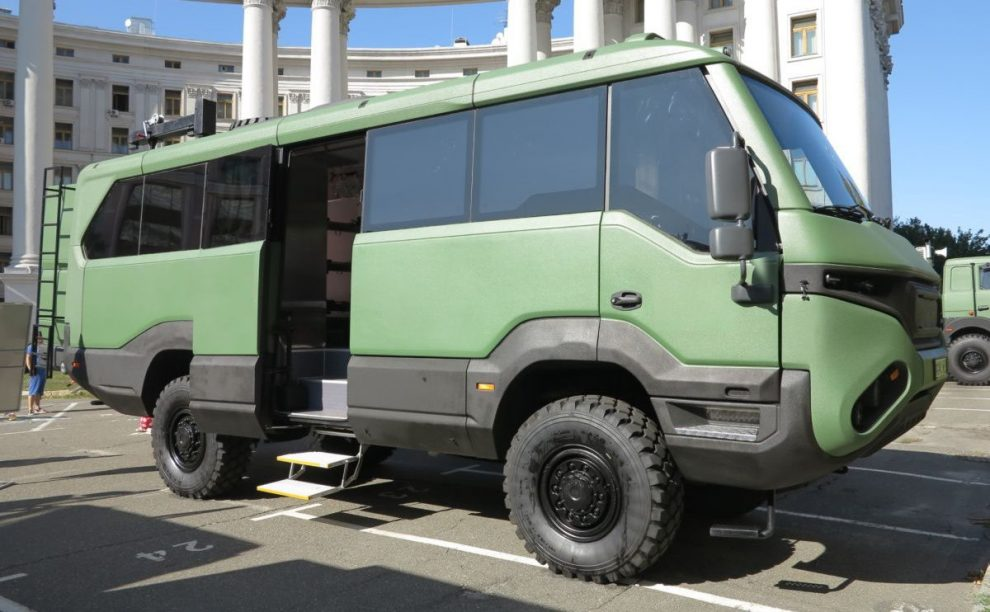 Українські військові отримають унікальні автобуси 4х4