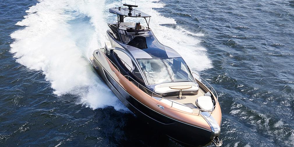 Яхта Lexus за 4 мільйони доларів вирушила в перше плавання