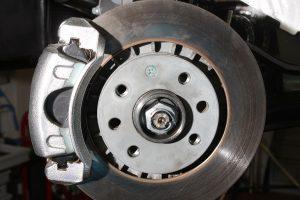 5 признаков того, что надо проверить тормозную систему