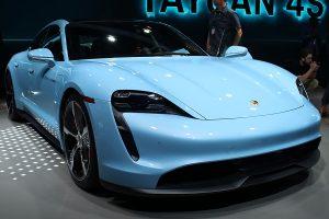 Перший електрокар Porsche отримав базову версію