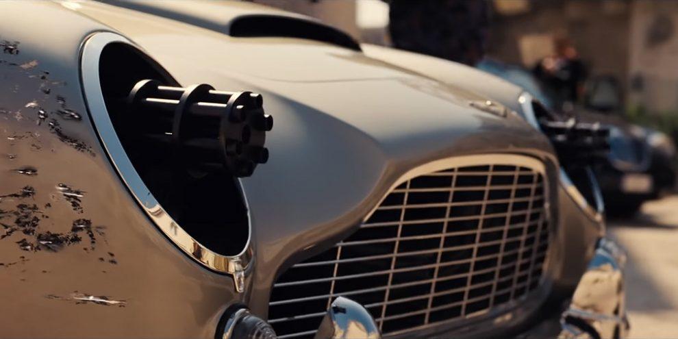 Відео: Aston Martin Джеймса Бонда обладнають «мініганом» в фарах