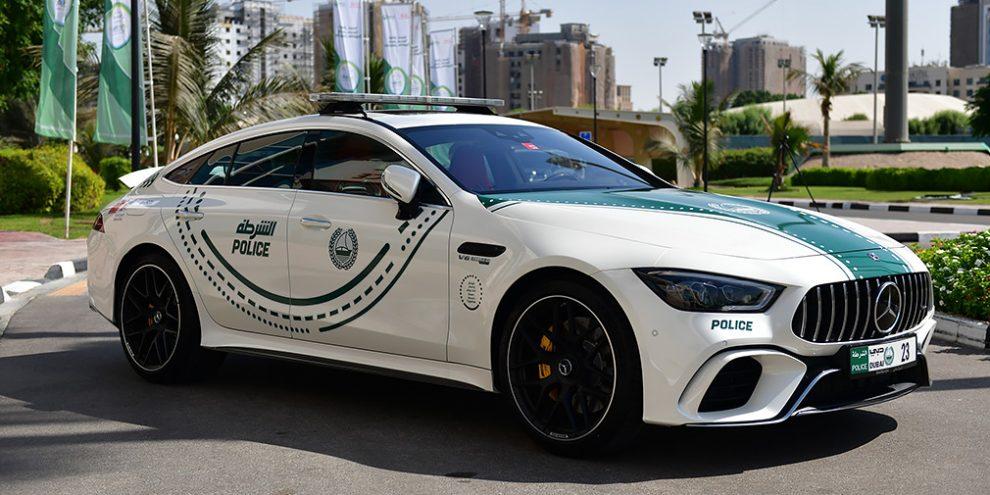 Автопарк поліції Дубая поповнив чотирьохдверний суперкар Mercedes-AMG