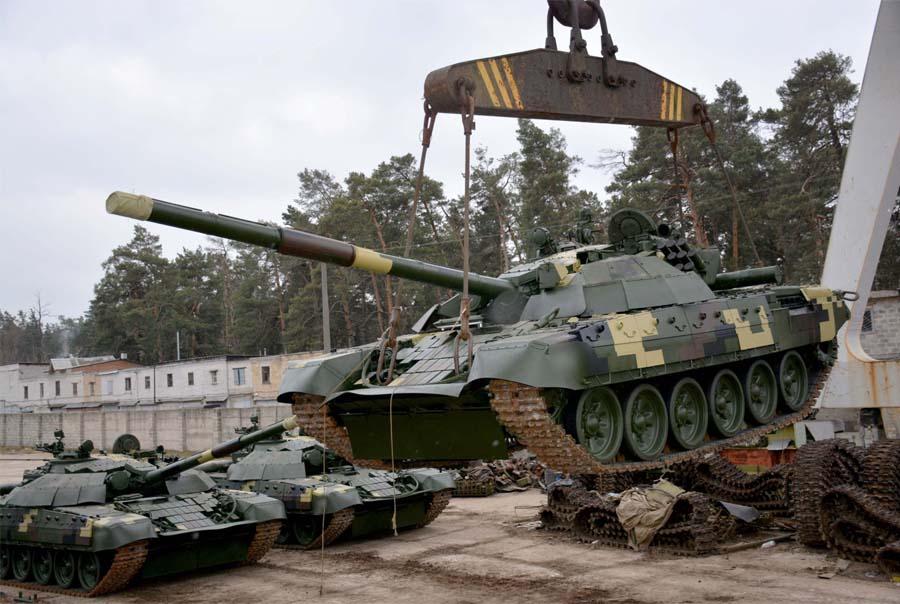 Танкова революція: Київський бронетанковий завод відвантажив нову партію новітніх танків для ЗСУ