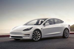 Tesla почала продажі Model 3 китайського виробництва