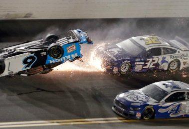 Відео: важка аварія на фініші перегонів «Дайтона 500» серії NASCAR