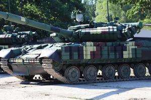 Унікальні нічні приціли та супутникова навігація: ЗСУ отримали близько десяти інноваційних танків