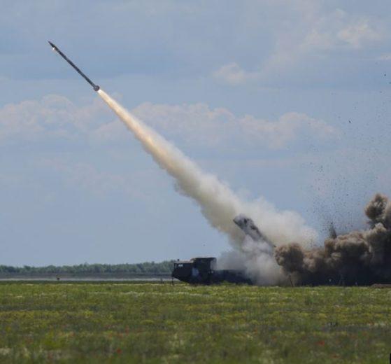 Позитив тижня: Новий український ракетний комплекс буде бити окупантів на відстані понад 200 км