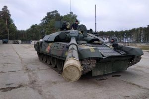 В Україні провели випробування нового танка з потужним двигуном