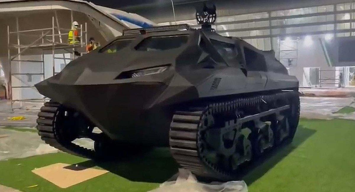 """На IDEX-2021 українські розробники презентували гібридний бронеавтомобіль """"Шторм"""" (відео)"""