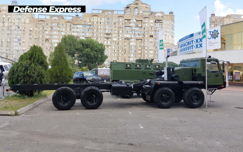 Tatra наступає: українські виробники військової техніки представили низку проєктів на новому шасі (фото)