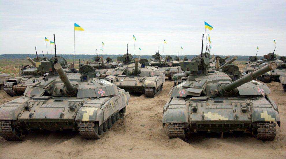 """Модернізація Т-64БМ2 """"Булат"""" проти """"Крабу"""": які шляхи обрали на ХБТЗ та ХКБМ"""
