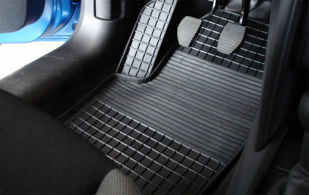 Коврики для автомобиля: цена, качество и практичность