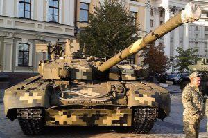 """В Міноборони несподівано вирішили відремонтувати танки БМ """"Оплот"""" та БРЕМ """"Атлет"""" ЗСУ"""