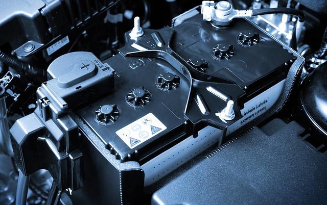 Автомобільні акумулятори: поширені види і їх характеристики